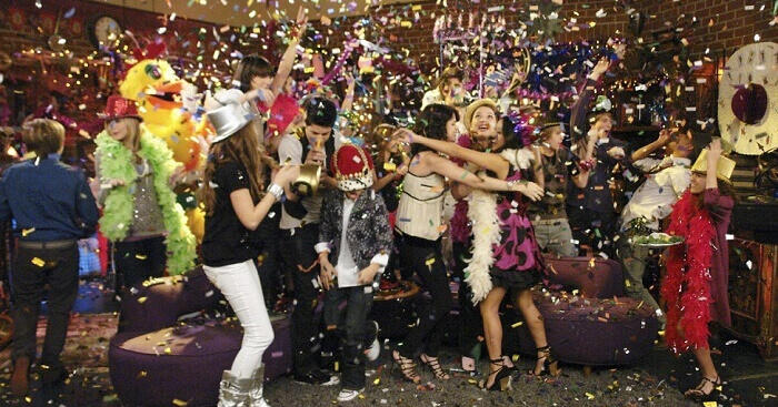 Easy Ideas To Organize A Grand Party With Your Friends This New Year