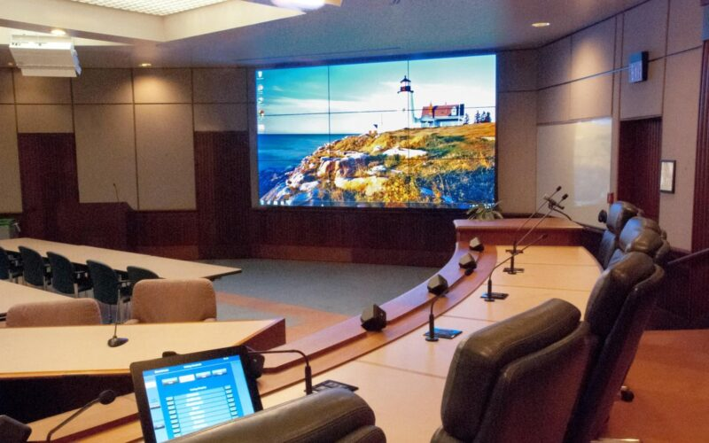 attractive and modernize meeting rooms
